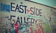East Side Gallery - Umění za plotem/ Art behind a fence