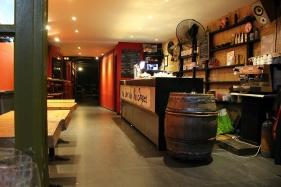 oblíbený bar La Cave Des Pas Sages